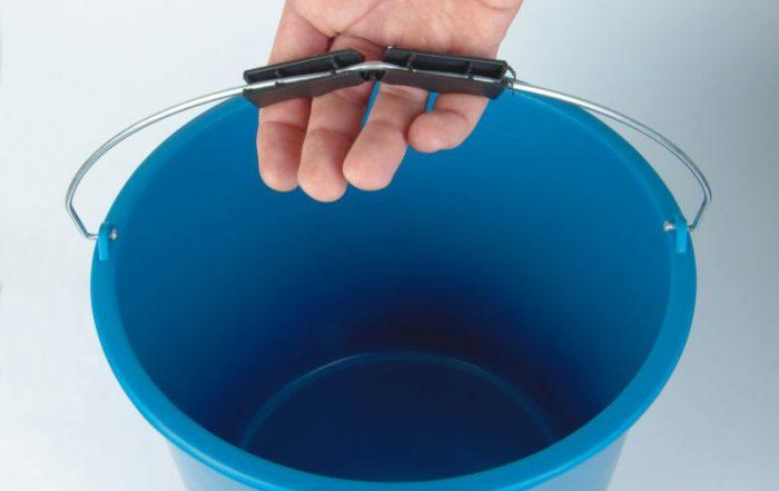 ergonomic handle for buckets
